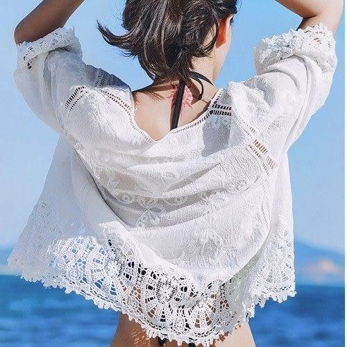 梨卡★現貨 - 韓國甜美沙灘外搭防曬外套罩衫-鉤花透視鏤空針織蕾絲雕花七分袖泳衣泳裝外衣C6132
