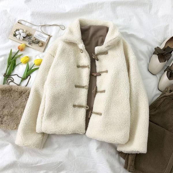 冬裝新款羊羔毛外套女冬短款棉襖韓版寬鬆棉衣牛角扣絨棉服