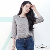 Victoria 後蝴蝶垂墬變化七分袖T-女-黑條-V8533288