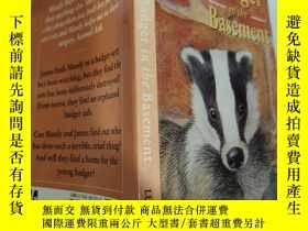 二手書博民逛書店badger罕見in the basement 地下室的獾..Y200392