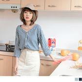 《AB9306》質感格紋寬V領排釦七分袖上衣 OrangeBear
