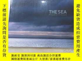 二手書博民逛書店外文書罕見THE SEA 共20頁 精裝本Y15969