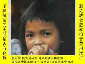 二手書博民逛書店The罕見Peoples of Laos:Rural and Ethnic DiversitiesY39702