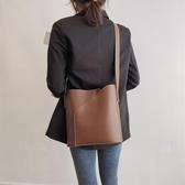 包包 百搭網紅大容量水桶包包女韓版子母單肩包大包復古側背包