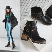 大尺碼女鞋☆ 2019新款百搭鉚釘扣帶環中跟短靴靴~3色