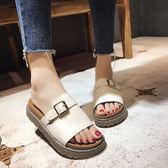 皮帶扣平底拖鞋女新款鬆糕厚底拖鞋外穿軟底韓版一字拖女     初語生活