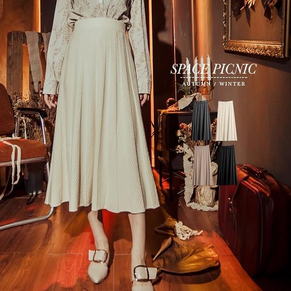長裙 Space Picnic|斜條壓紋親膚針織長裙(現貨)【C19101076】