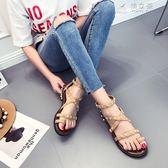 歐美風復古涼鞋女夏平底夾角鉚釘涼鞋腳環綁帶百搭羅馬鞋沙灘鞋 俏女孩