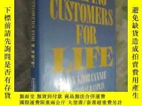 二手書博民逛書店Keeping罕見Customers for Life(16開,