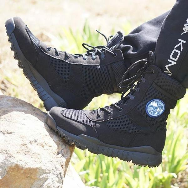 戰術靴 正品戶外超輕 作戰靴戰術靴冬季透氣作訓靴羊毛男特種兵夏季軍靴 霓裳細軟