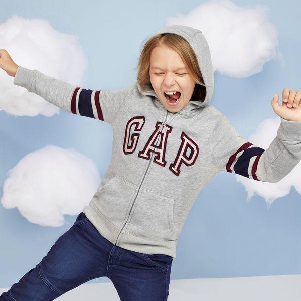Gap男童 LOGO條紋長袖連帽長袖休閒外套 358339-淺麻灰