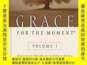二手書博民逛書店英文原版書罕見Grace for the Moment: Ins