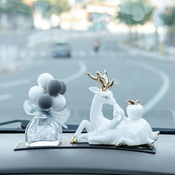 一路平安鹿有你女人車內裝飾品汽車擺件個性創意車載男士高檔大氣【創意新品】