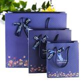 全館85折時尚深藍色底小花蝴蝶結禮品袋 商務送禮袋 禮物包裝袋手提紙袋 五個裝 芥末原創