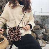 毛毛絨復古豹紋包包女2018新款秋冬百搭單肩抽繩斜背包迷你手提包 電購3C
