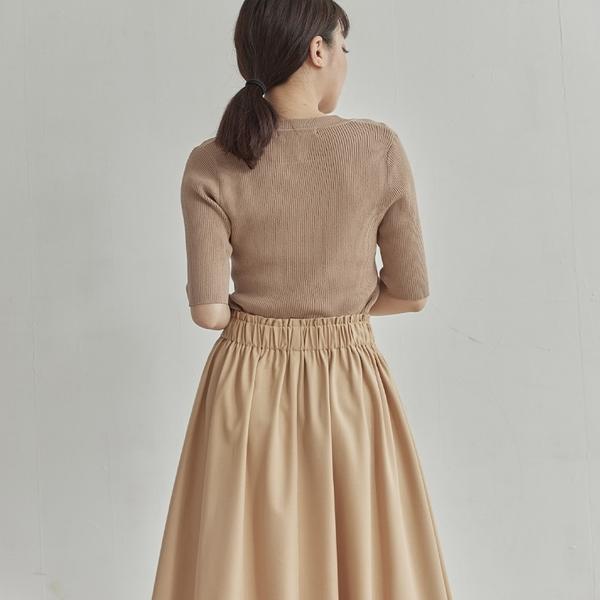 Queen Shop【03020860】優雅不對稱設計後鬆緊長裙 S/M*現+預*