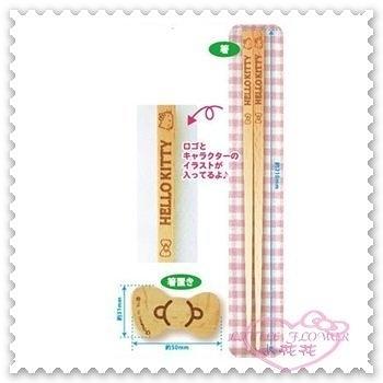 ♥小花花日本精品♥ Hello Kitty 筷子 餐具 竹筷 附筷架 蝴蝶結造型 天然木製 日本限定 11149309