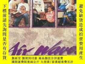 二手書博民逛書店《1997罕見WORLD WIDE CATALOG》(英語:1997年全球目錄) 1996年,上千種T恤衫裝飾圖案