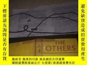 二手書博民逛書店英文原版書:THE罕見OTHERS(32開硬精裝1960年出版)