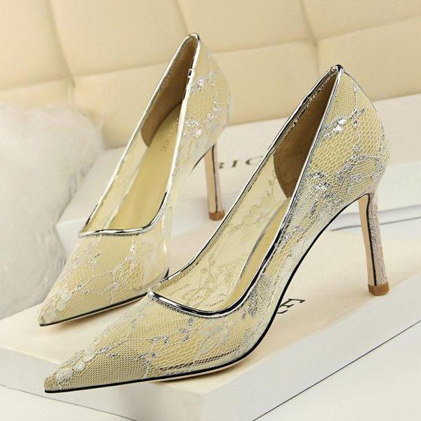 高跟鞋女 尖頭高跟鞋 歐美風性感夜店顯瘦鏤空網狀蕾絲淺口高跟單鞋韓版女鞋子《小師妹》sm3497