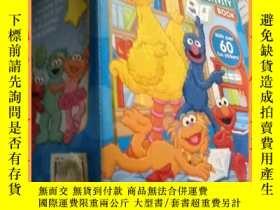 二手書博民逛書店英文書罕見sesame street deluexe sticker activity book 芝麻街德魯克斯貼