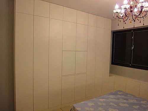 【系統家具】 臥房空間衣櫃窗邊櫃化妝台設計
