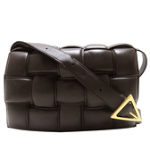 BOTTEGA VENETA 寶緹嘉 棕色編織小羊皮斜背包 /枕頭包 The Chain Cassette Bag 【二手名牌BRAND OFF】