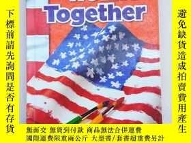 二手書博民逛書店We罕見Live Together(英文原版、精裝16開)Y11016 ames A. Banks, Rich