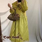 《貓尾巴》KT-0976 復古娃娃領繡花繫帶長袖連身裙(森林系 日系 棉麻 文青 清新)