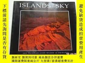 二手書博民逛書店(唯美攝影風光畫冊罕見) ISLANDS IN THE SKY-
