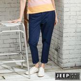 【JEEP】女裝 夏日海洋滿版船錨造型休閒長褲-深藍色