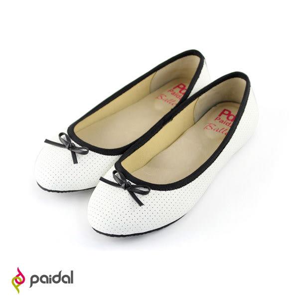 Paidal 皮感打洞小蝴蝶結圓頭娃娃鞋-氣質白