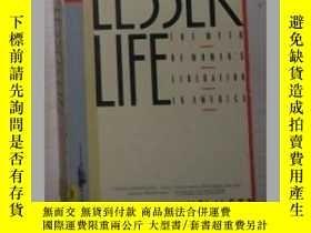 二手書博民逛書店原版英文書《罕見A Lesser Life 》by Sylvia