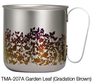 【極品世界】日本HORIE 純鈦冰鎮馬克杯—漸層褐色樹葉圖樣 320cc