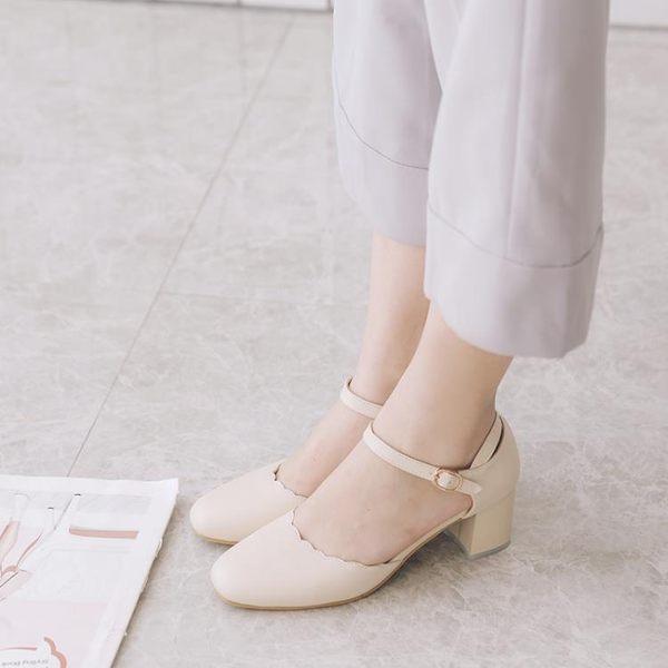 小清新森女系花邊圓頭淺口搭扣中空單鞋粗跟中跟一字扣帶包頭涼鞋