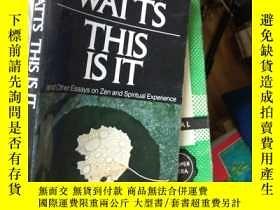二手書博民逛書店This罕見Is It: and Other Essays on