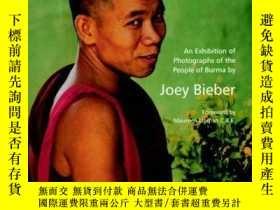 二手書博民逛書店Melting罕見the Stars: Photographs of the People of BurmaY