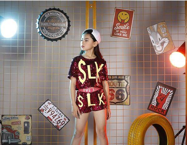雙十二狂歡  六一兒童爵士舞演出服新款亮片套裝嘻哈女童少兒現代舞蹈鏢演服裝【居享優品】
