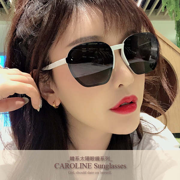 《Caroline》年度最新網紅款潮流百搭抗UV時尚太陽眼鏡 72093