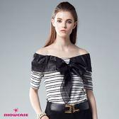 【SHOWCASE】蝴蝶結領結紗條紋薄針織上衣(白)-千元有找