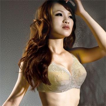 【南紡購物中心】【華歌爾】挺舒服胸罩 提拉包覆款 D-F罩杯(淡雅膚)