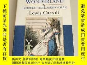 二手書博民逛書店Alices罕見Adventures in Wonderland and Through the Looking