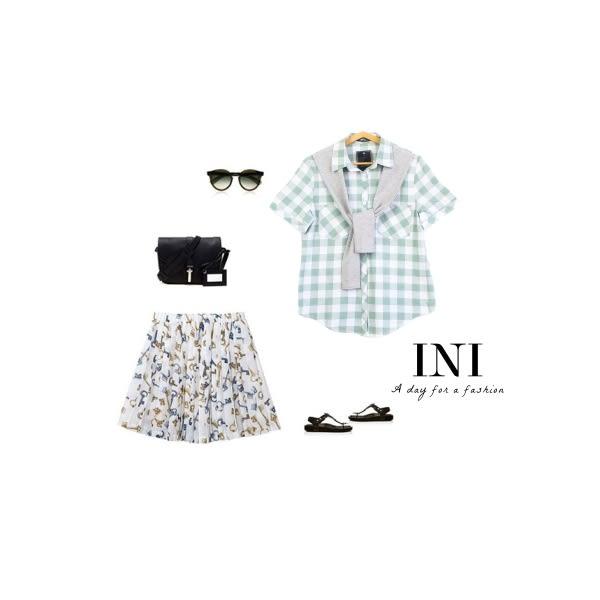 【INI】自在午後、日氛經典格紋領巾舒適上衣.綠色