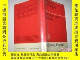 二手書博民逛書店英文原版罕見TAXATION AND WEIFARE(稅收和福利