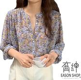 EASON SHOP(GW8234)韓版復古花朵碎花秋裝薄款排釦開衫圓領長袖雪紡花襯衫女上衣服落肩寬鬆打底內搭