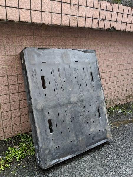 二手美國塑膠棧板 [自取近五堵車站**10個以上台北市、新北市可送]