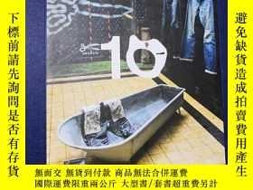 二手書博民逛書店A罕見DECADE OF DENHAM 2008-2018Y12