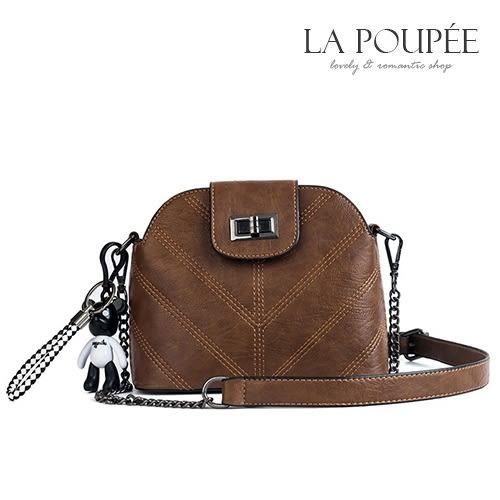 側背包 復古菱格紋小貝殼包(附吊飾) 3色-La Poupee樂芙比質感包飾 (現貨+預購)