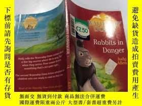二手書博民逛書店rabbits罕見in danger :危險的兔子Y212829