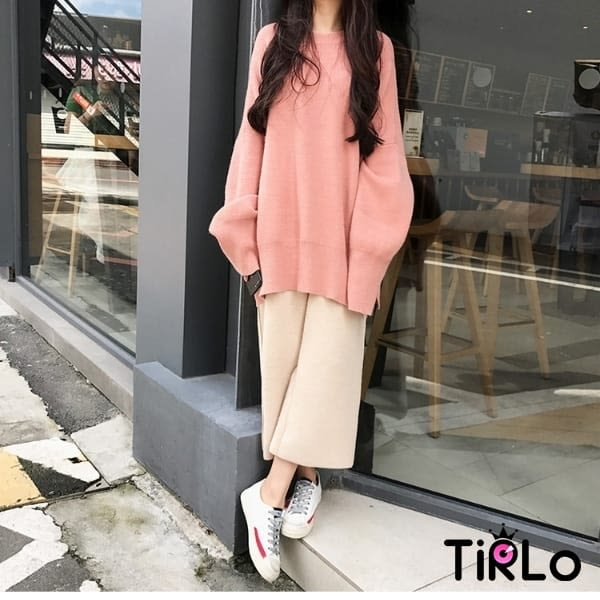 針織衫-Tirlo-百搭圓領小開衩針織衫(現+追加預計5-7工作天出貨)
